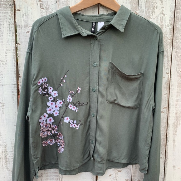 2f24c5c5 H&M Tops | Hm Divided Green Cherry Blossom Button Down | Poshmark